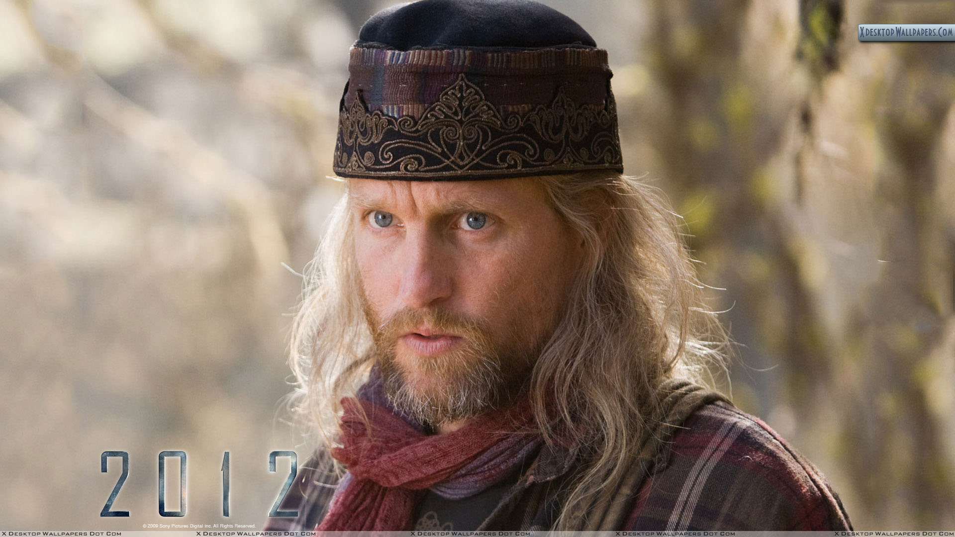 Woody Harrelson Blue Eyes And Wearing Cap Wallpapers