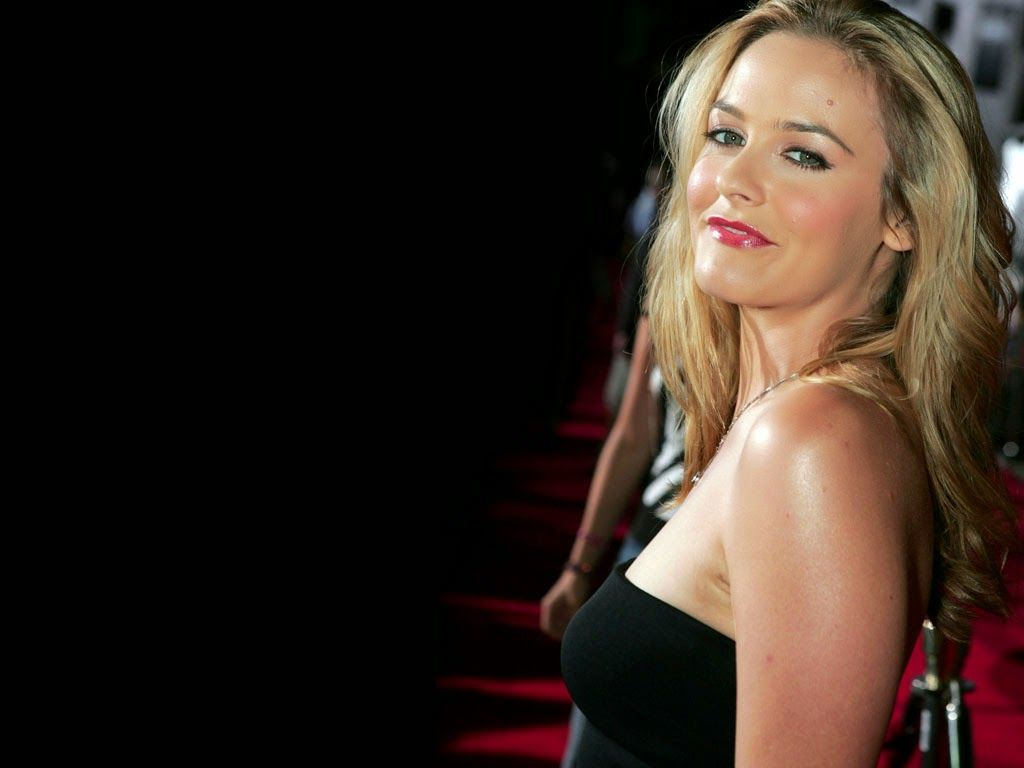 Hollywood Actress Wallpaper: Alicia Silverstone Wallpapers