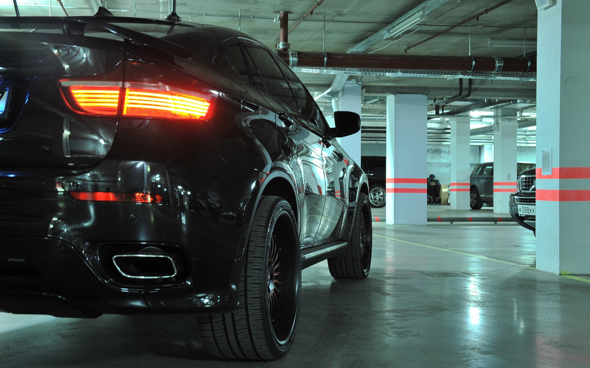 24 Excellent HD Garage Wallpapers
