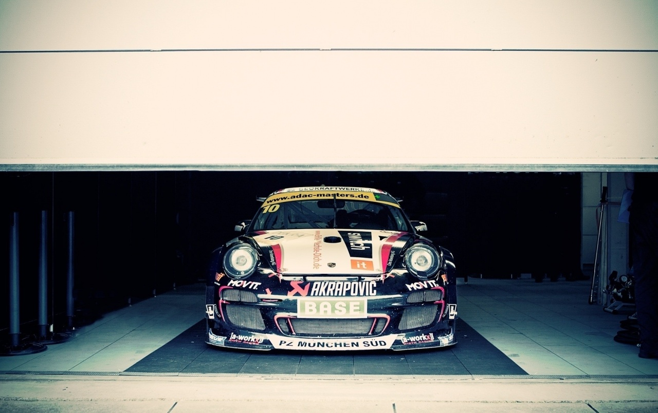 Racing Porsche in the Garage wallpapers