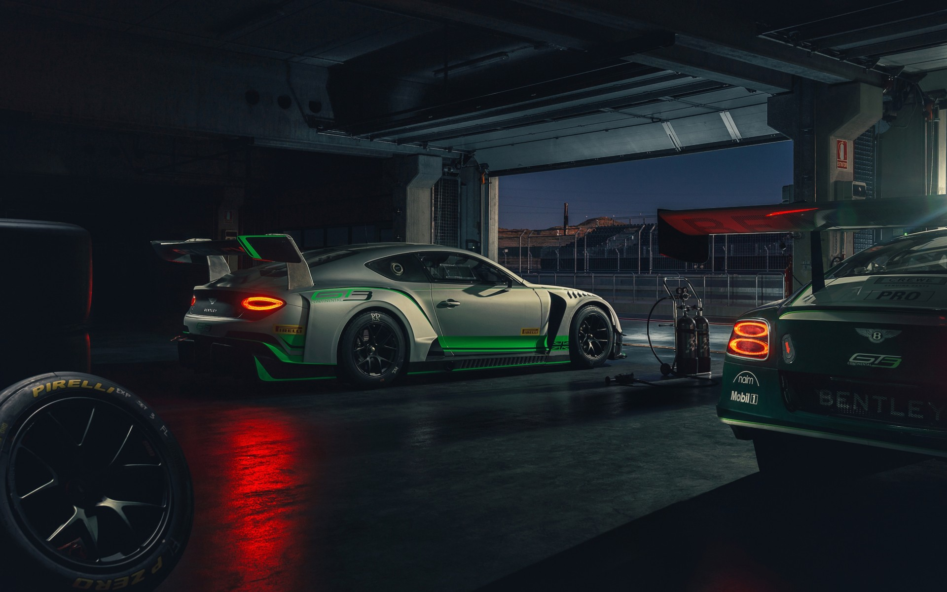 Download 1920x1200 Bentley Continental Gt3, Racing, Cars, Garage