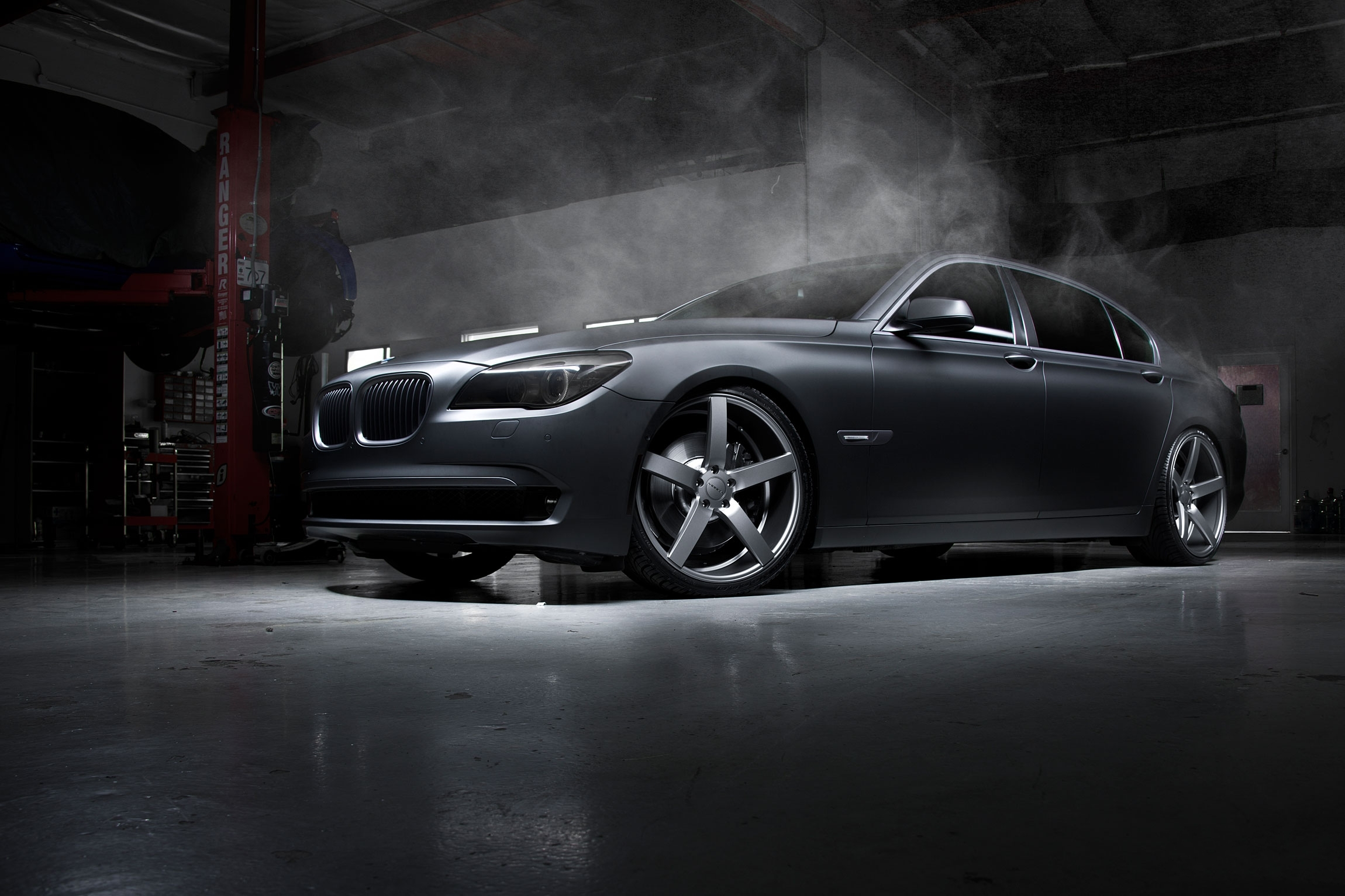 Bmw Car Tuning Garage Wheels Smoke