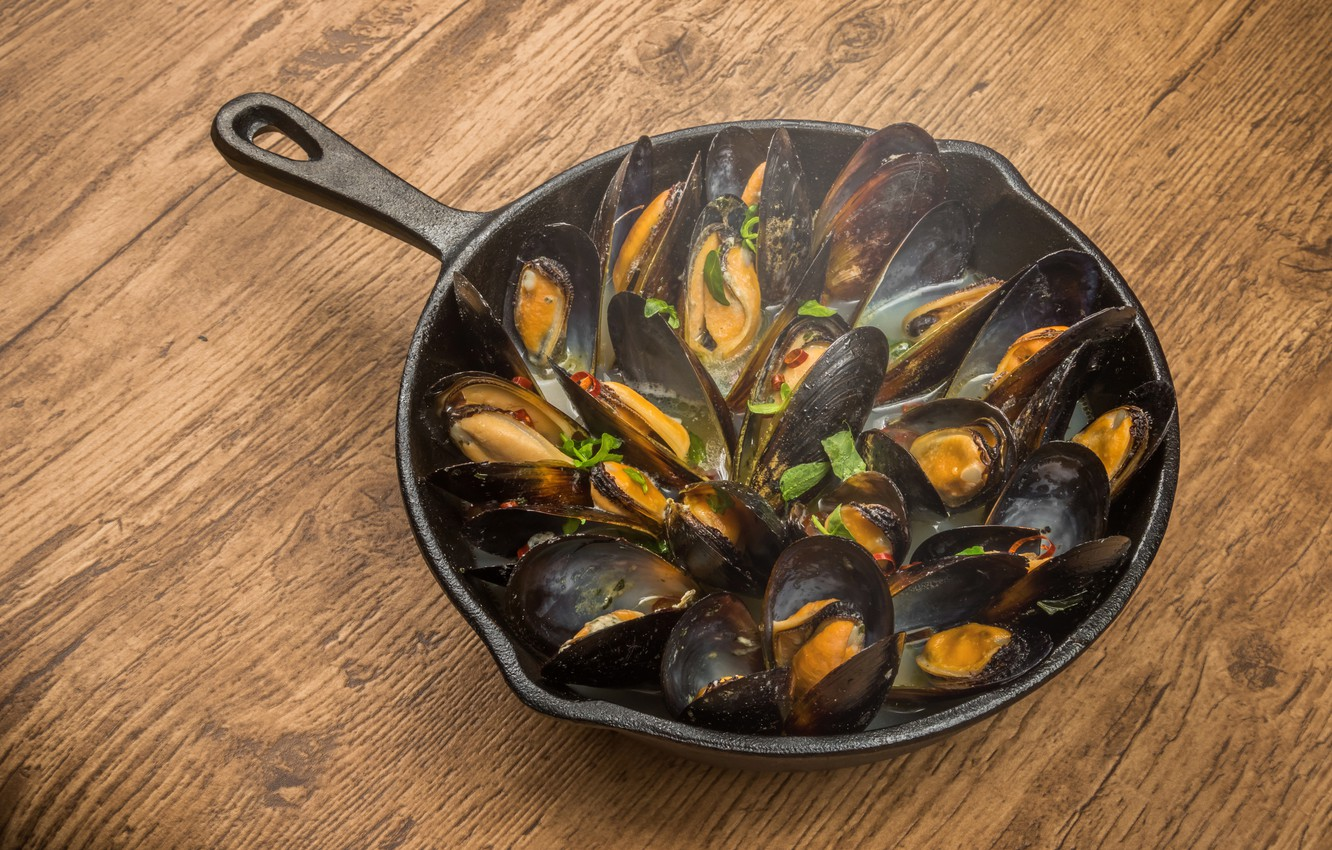 Wallpapers table, seafood, pan, mussels image for desktop