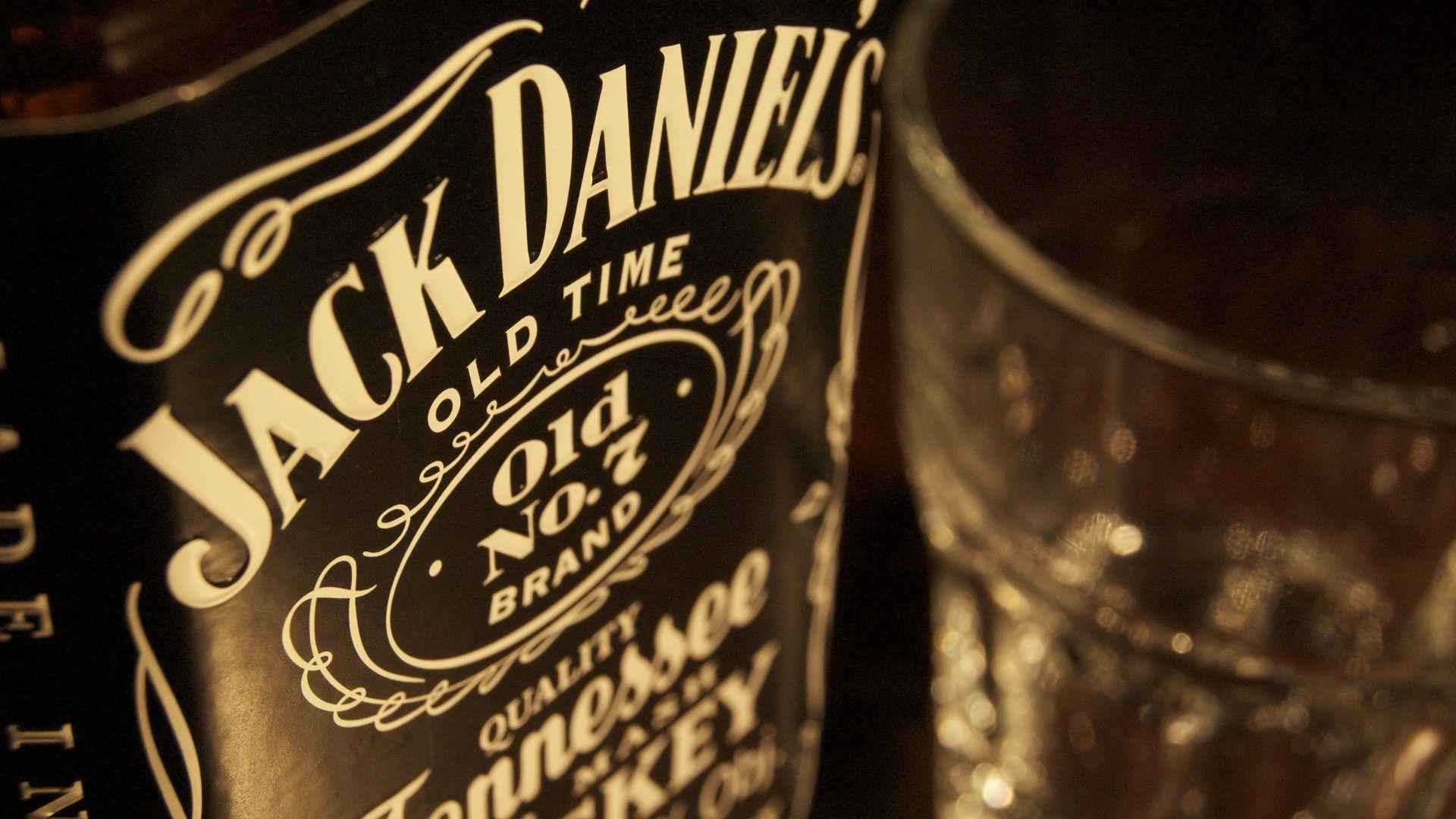 Animals For > Jack Daniels Iphone Wallpapers