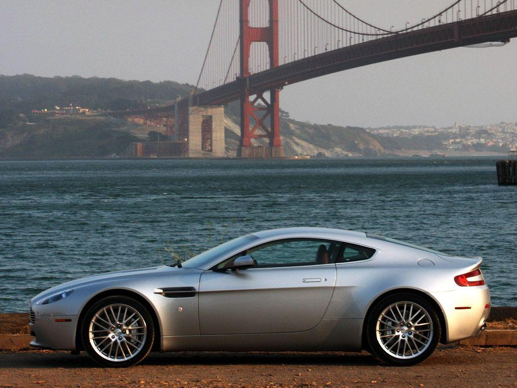 Aston Martin V8 Vantage 2009 photo 41614 pictures at high resolution
