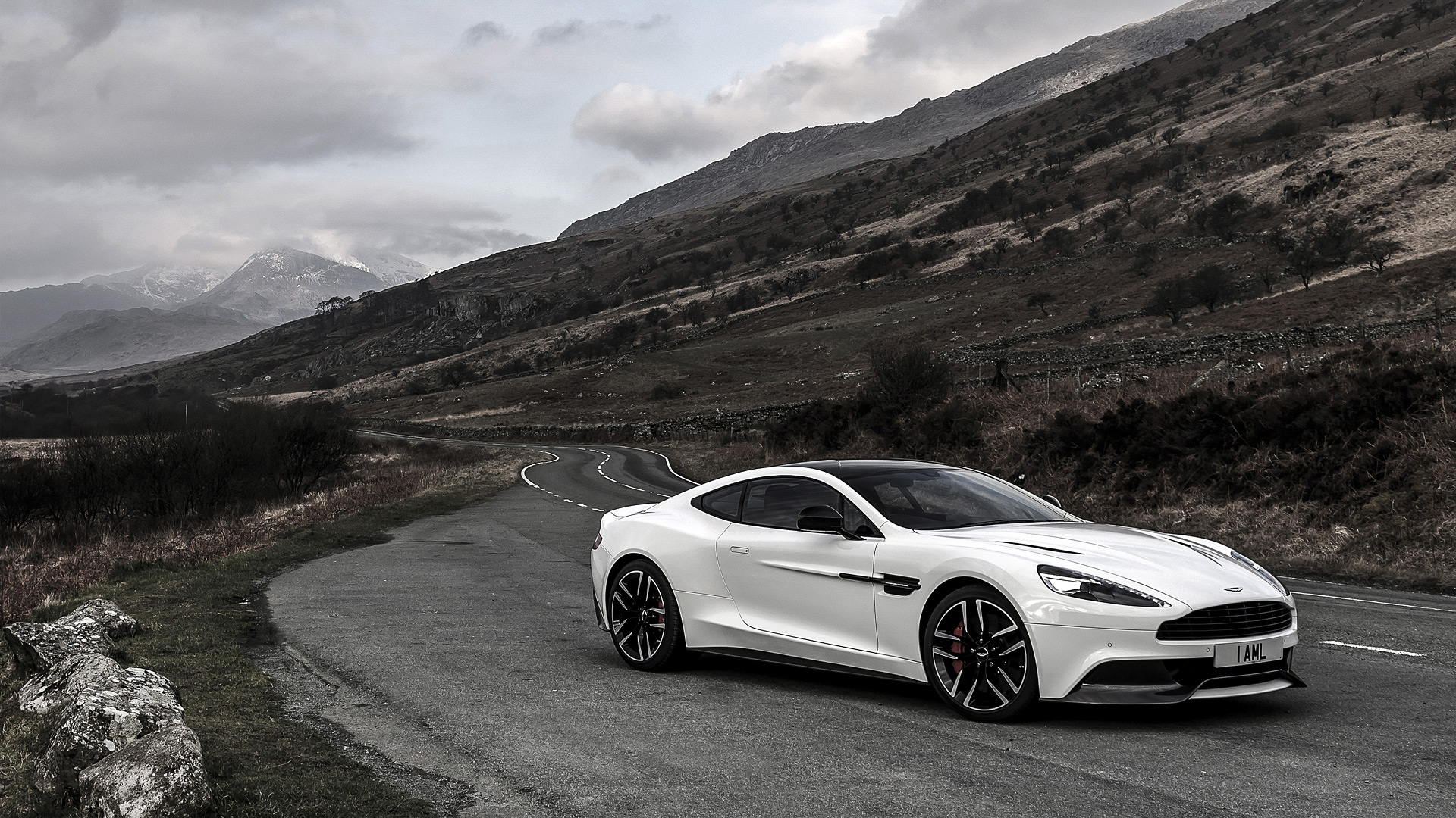 2015 Aston Martin Vanquish Carbon Edition Wallpapers & HD Image