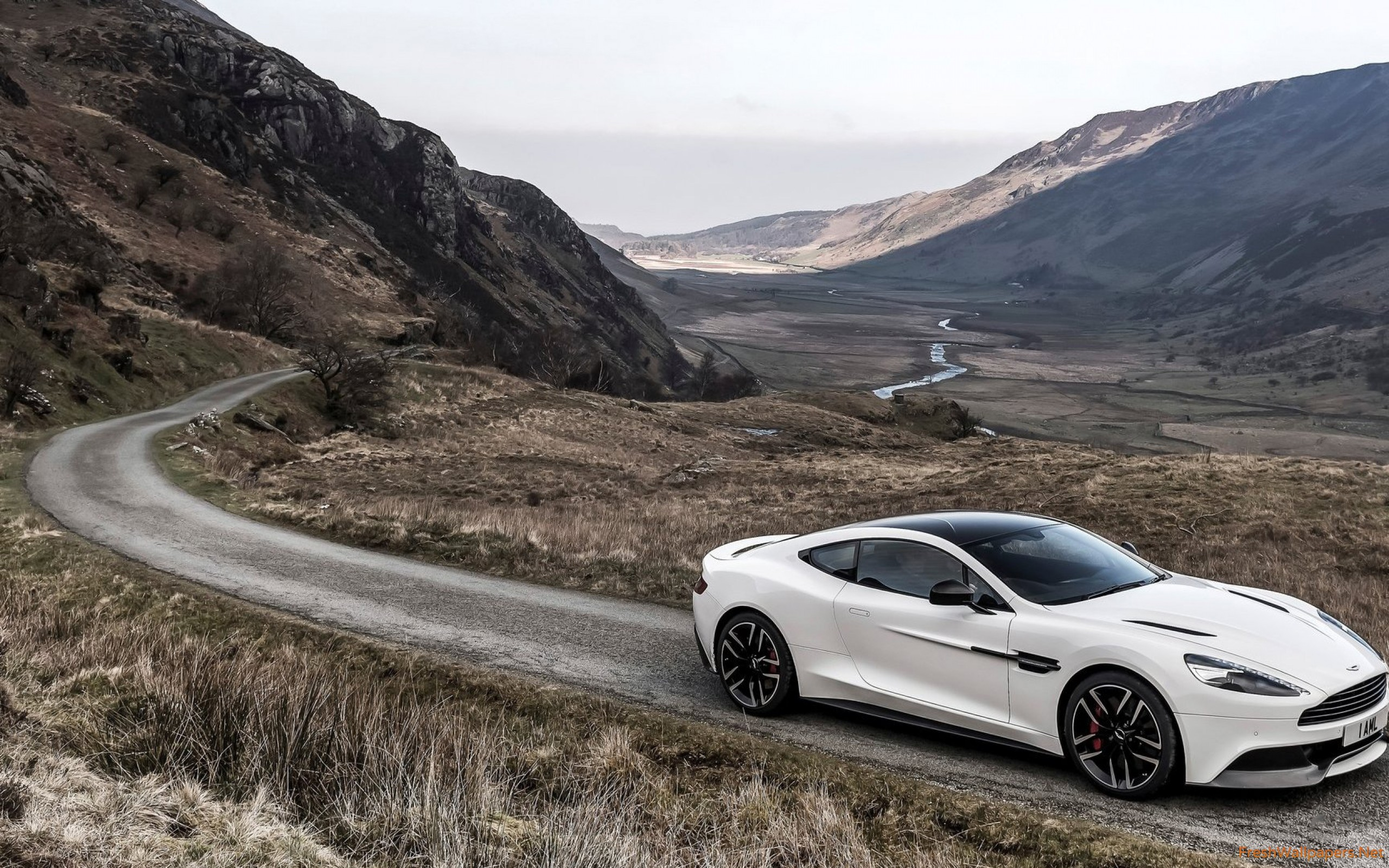 2015 Aston Martin Vanquish Carbon White wallpapers