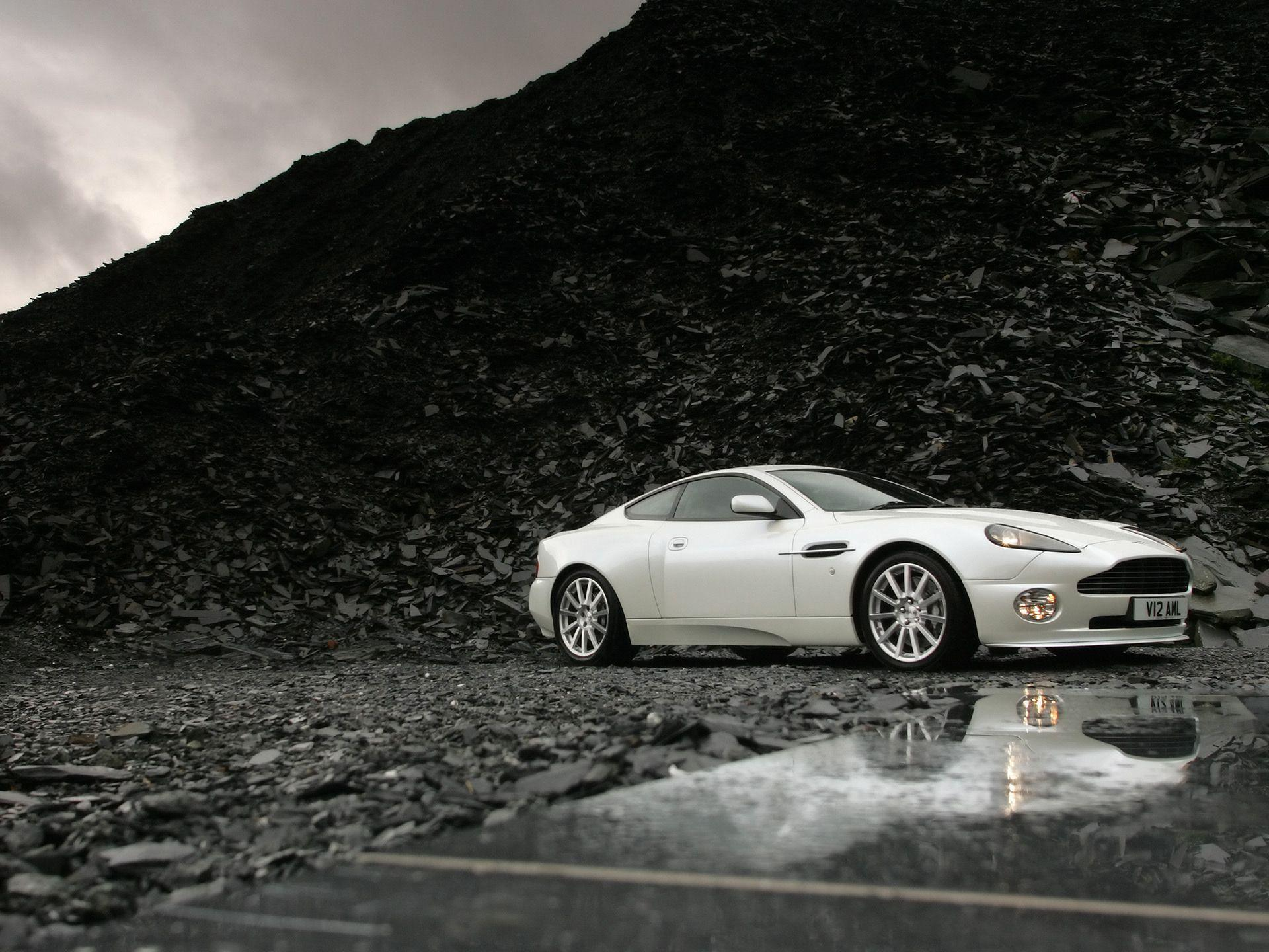 Aston Martin Vanquish Wallpapers, Pictures, Image