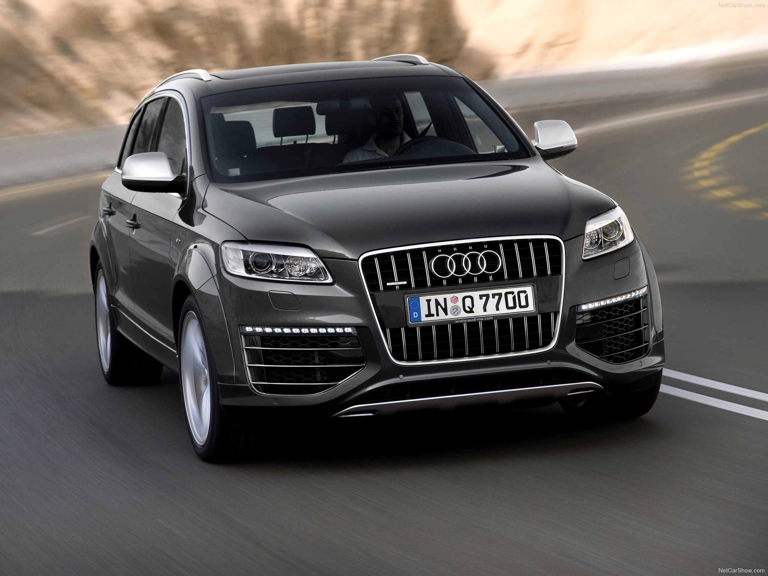 Audi Q7 Wallpapers HD Download