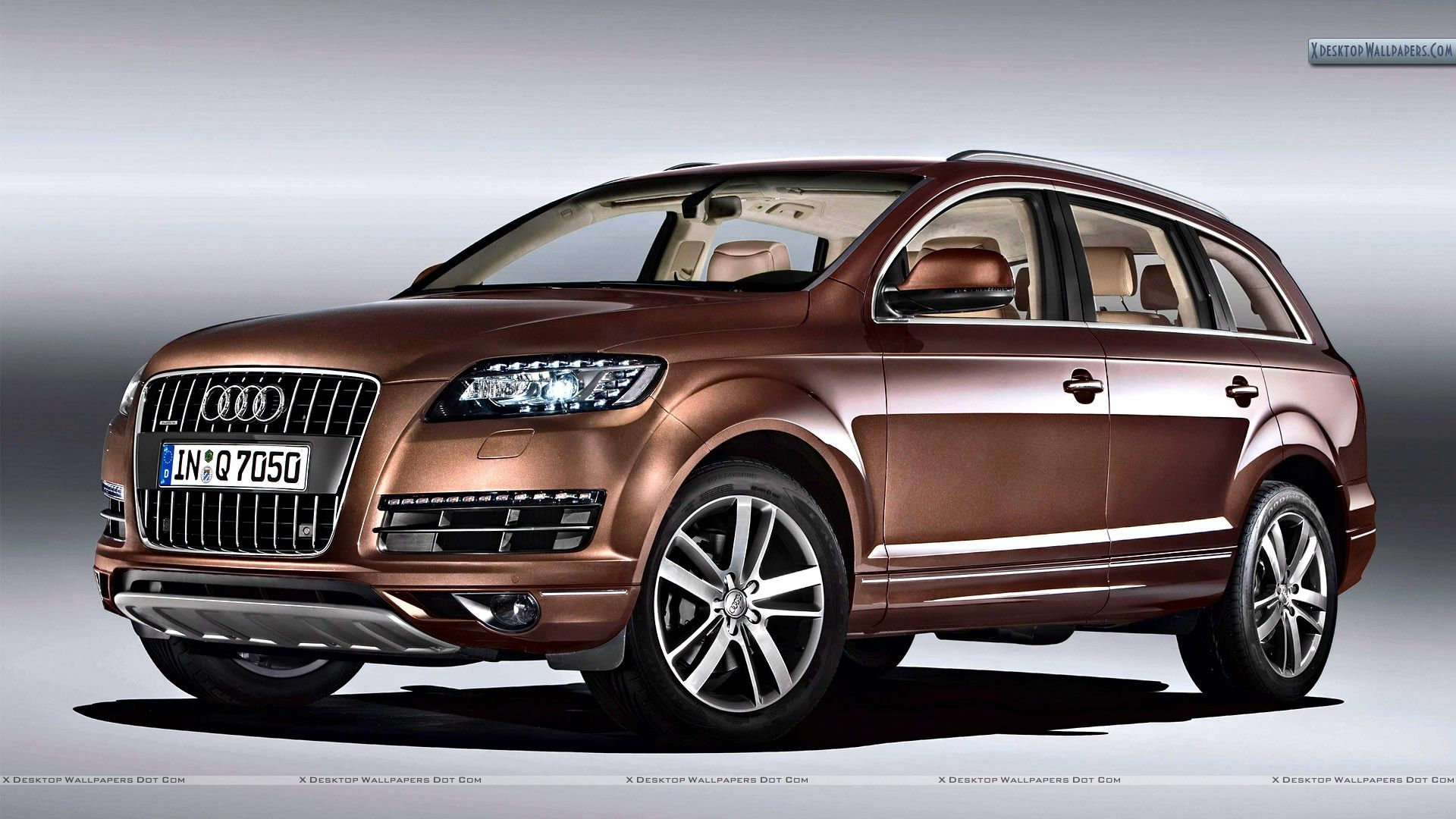 2010 Audi Q7 30 TDI Brown Color Front Side Pose Wallpapers