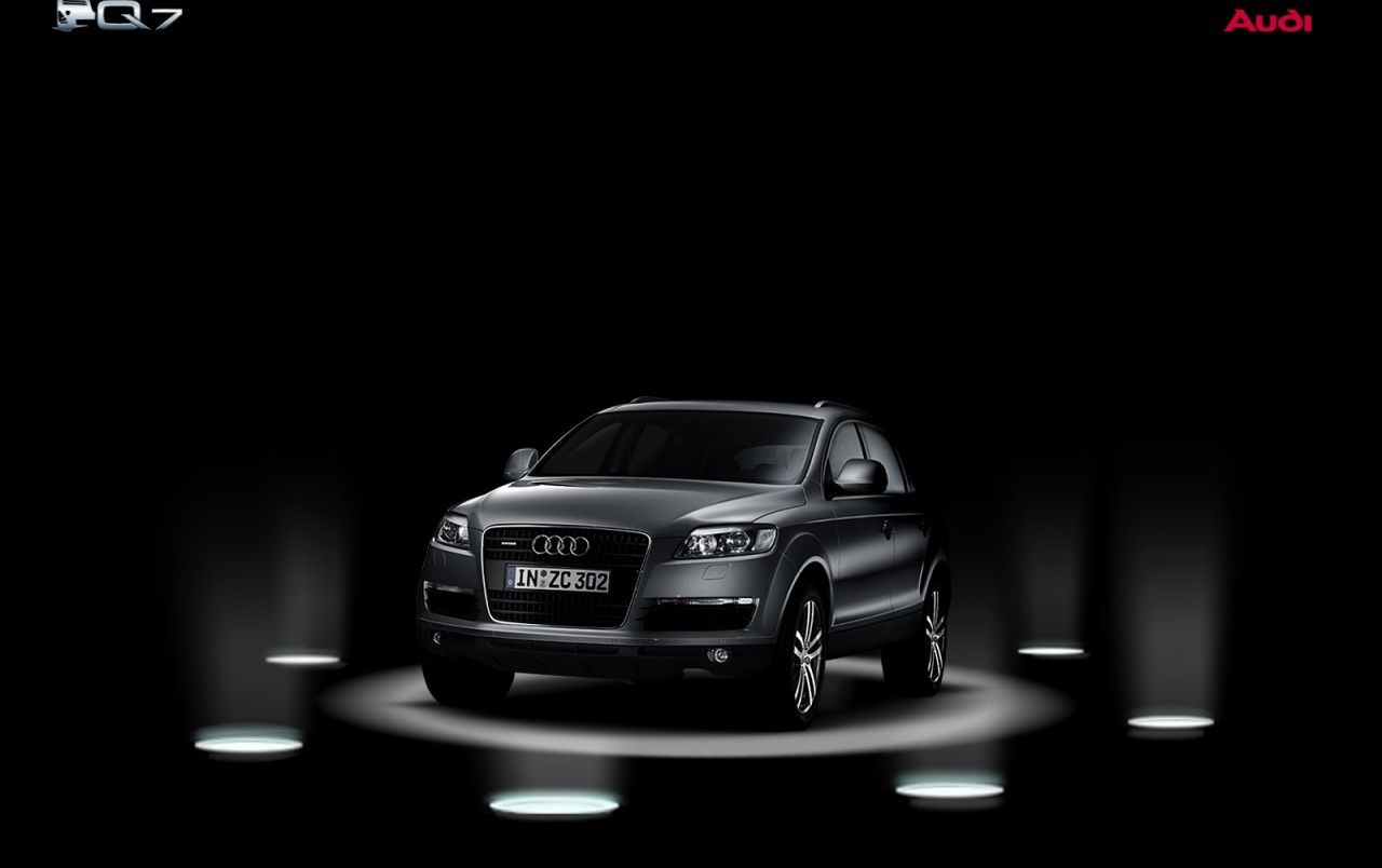 Audi Q7 on stage wallpapers