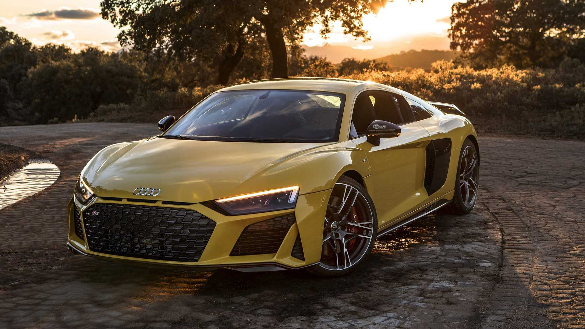 2019 Audi R8 V10 Performance Looks Brutal in Yellow