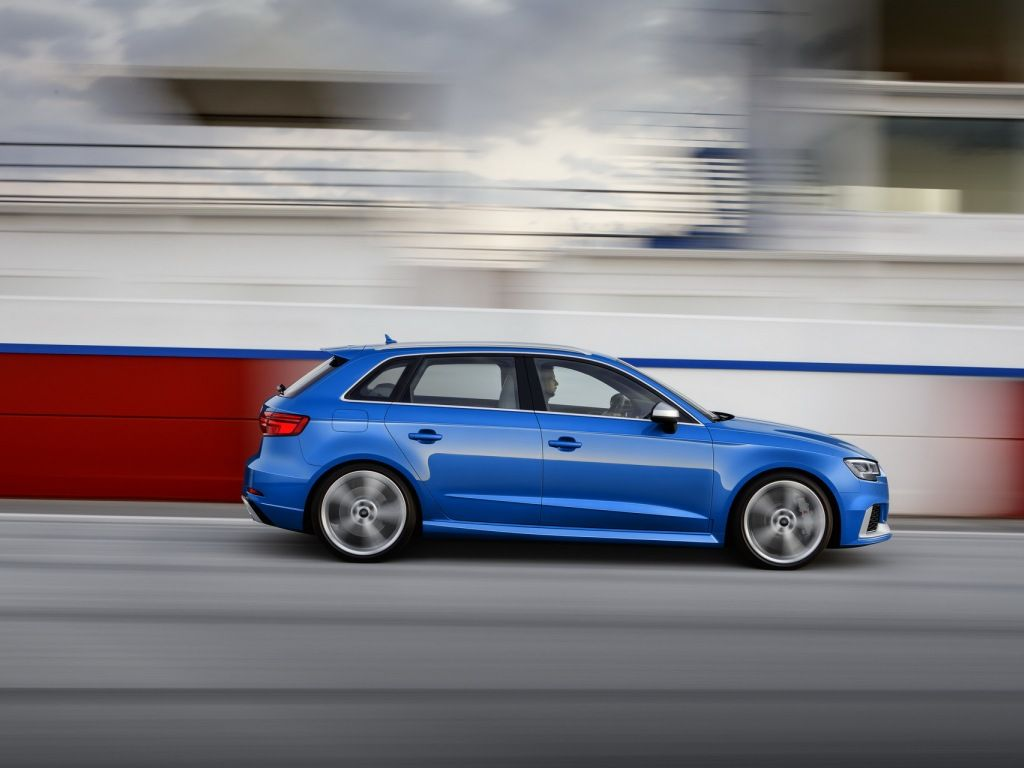 Audi RS3 Sportback photos and wallpapers