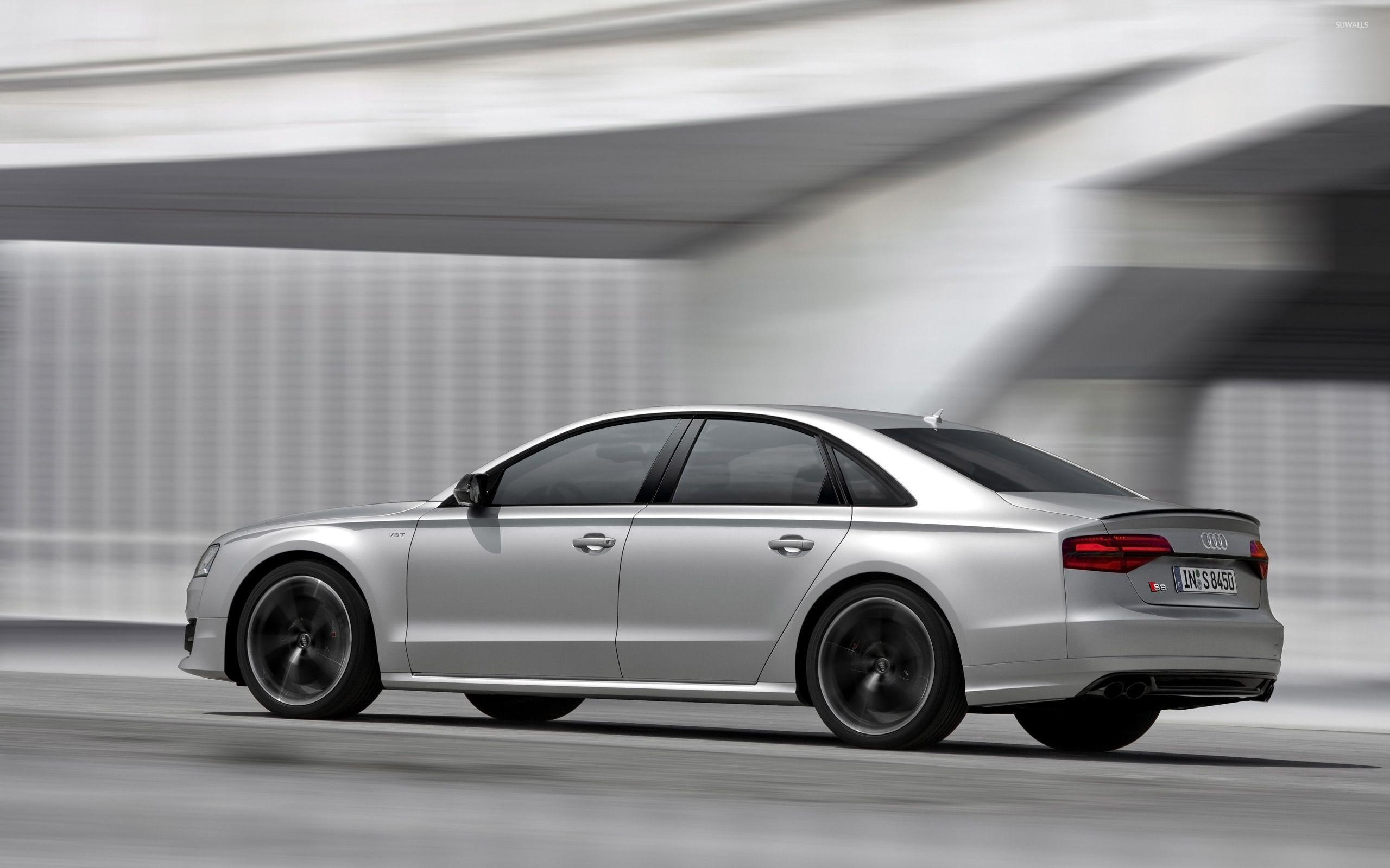 2016 Silver Audi S8 side view wallpapers