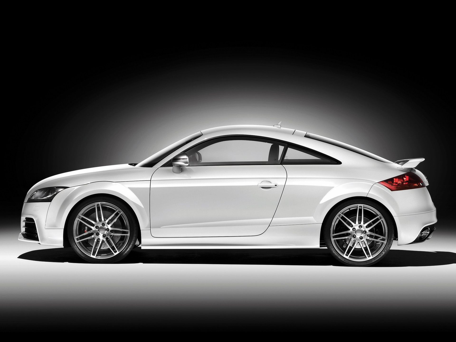 Audi TT RS side wallpapers