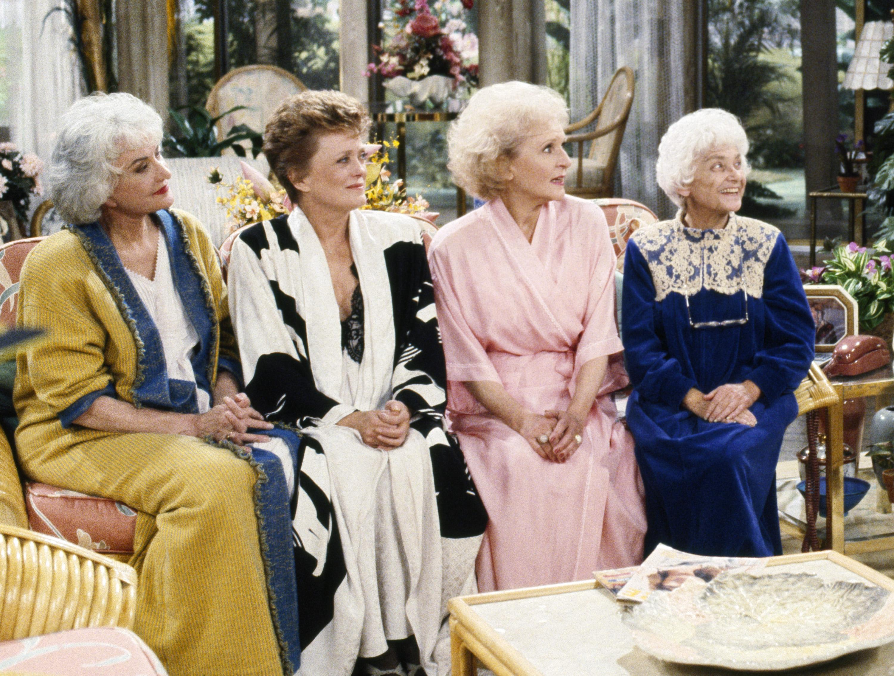 The Golden Girls cafe is finally open, banana wallpapers and all