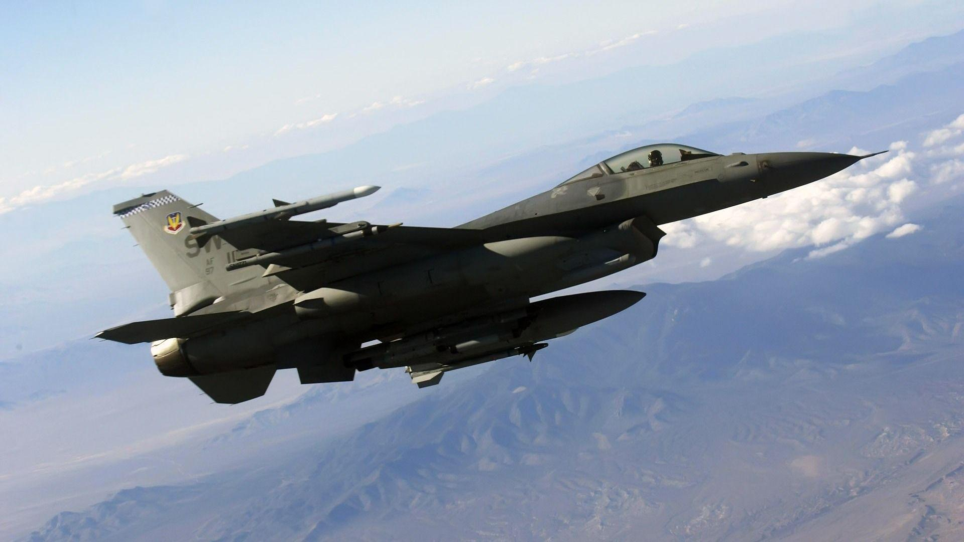 Pics For > Military Aircraft Wallpapers