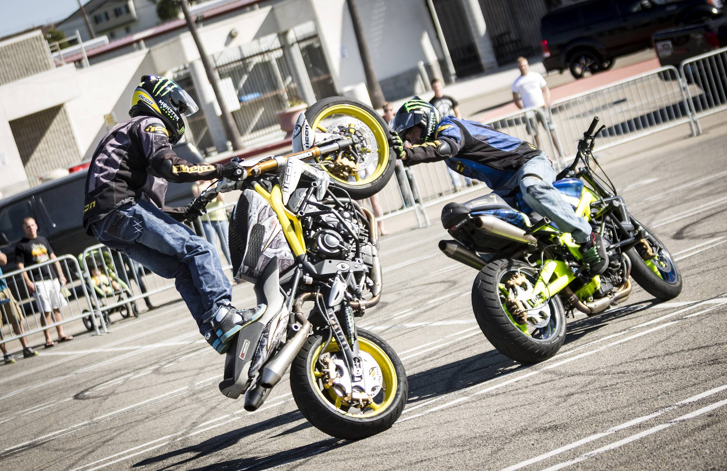 Wallpapers For > R15 Bike Stunts Wallpapers Hd