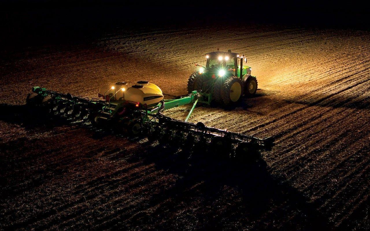 Download Tractors Agriculture Wallpapers 1024x768