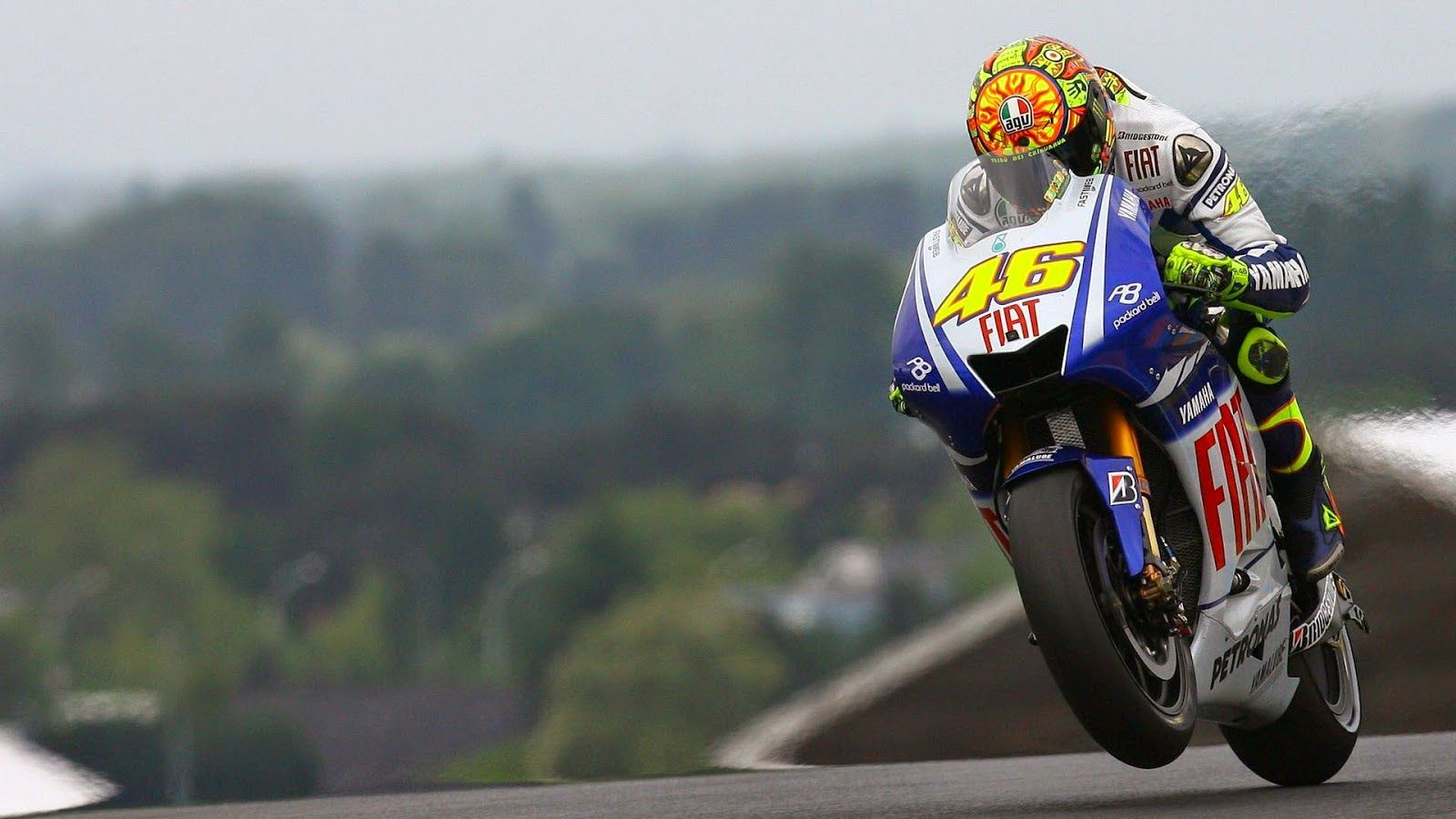 Free download Valentino Rossi Yamaha Wallpapers HD Walpaperes [1600x900] for your Desktop, Mobile & Tablet